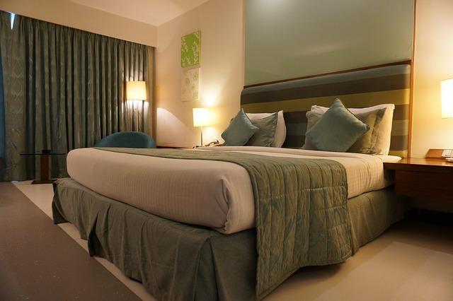 moderní postel